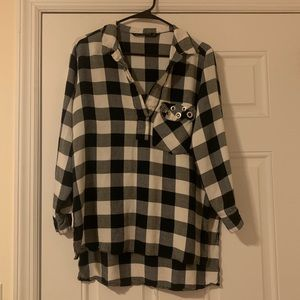 Zara White and Navy checkered Blouse Size Large